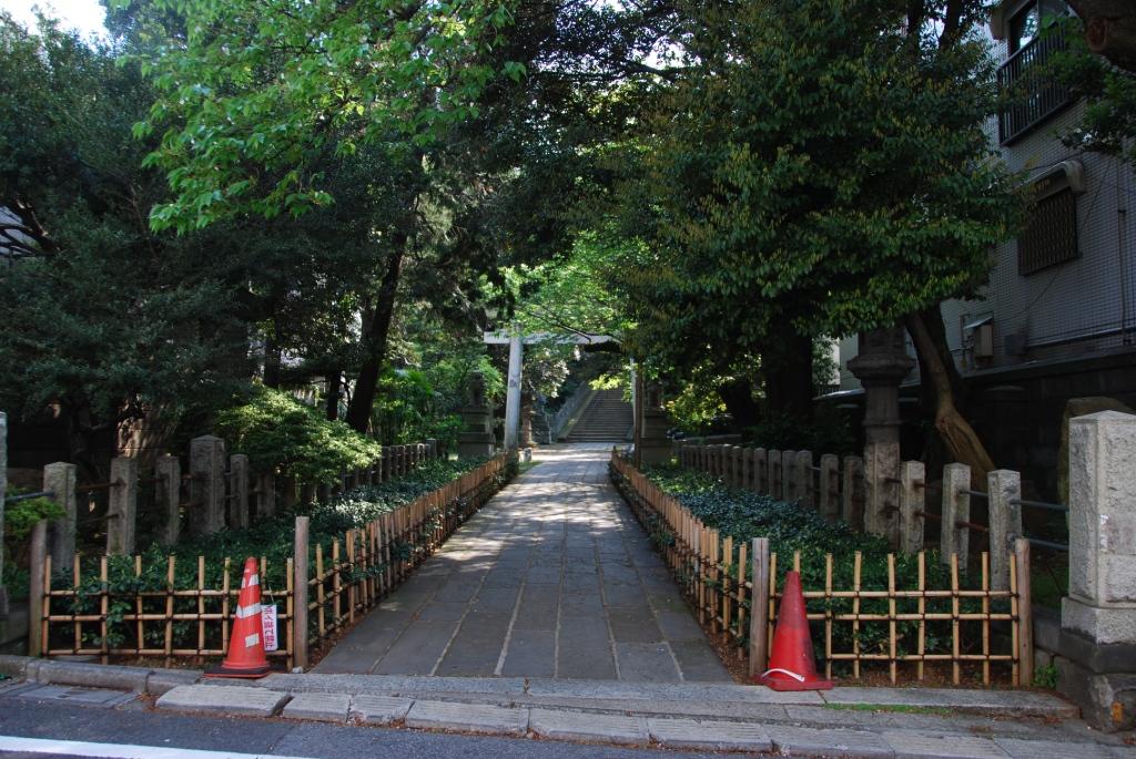 氷川神社(約190m/徒歩3分)